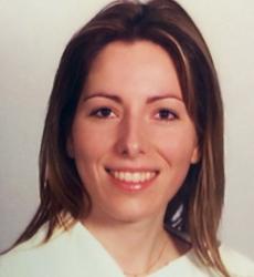 <center>Sara Clara Ribeiro, Dr.ª</center>